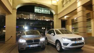 BMW X5 xDRIVE 3.0d, VW Touareg V6 TDI, Frontansicht