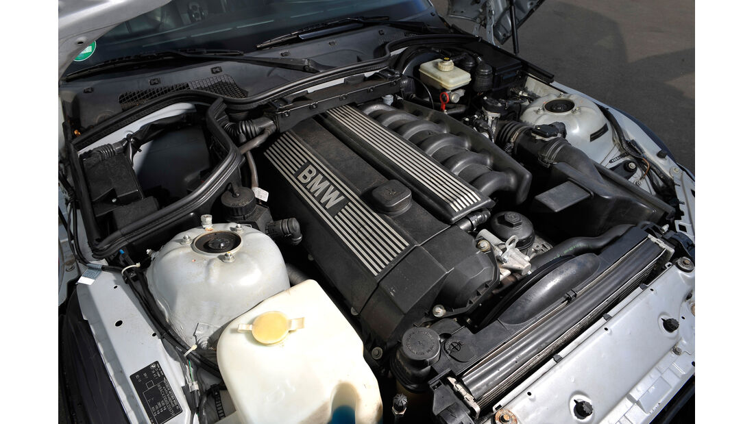 BMW Z3 Coupé, Motor