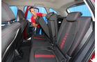 BMW Zweier Active Tourer, Fondsitz, Umklappen