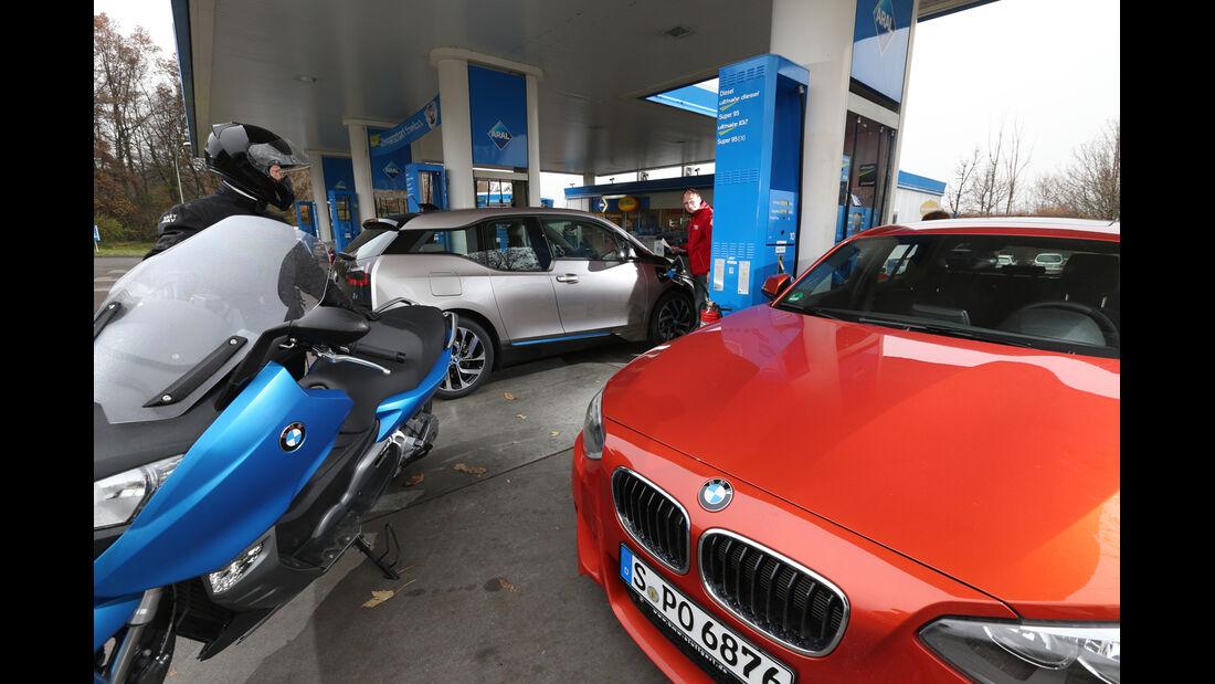 BMW i3 Range Extender, Tankstelle