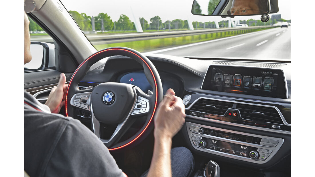 BMW i4, Interieur