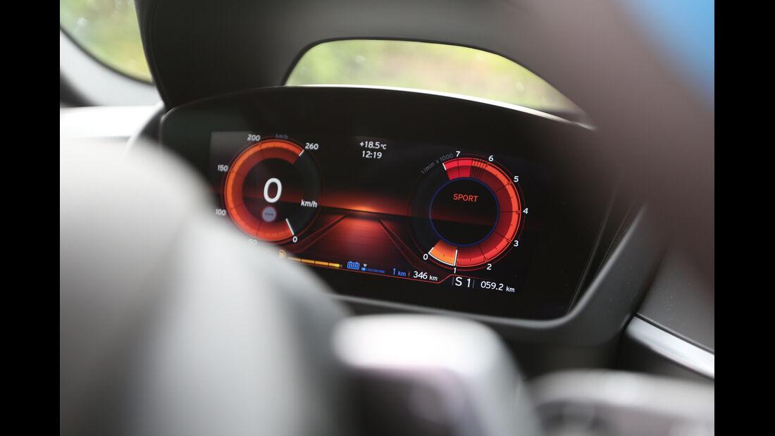 BMW i8, Anzeigeinstrumente