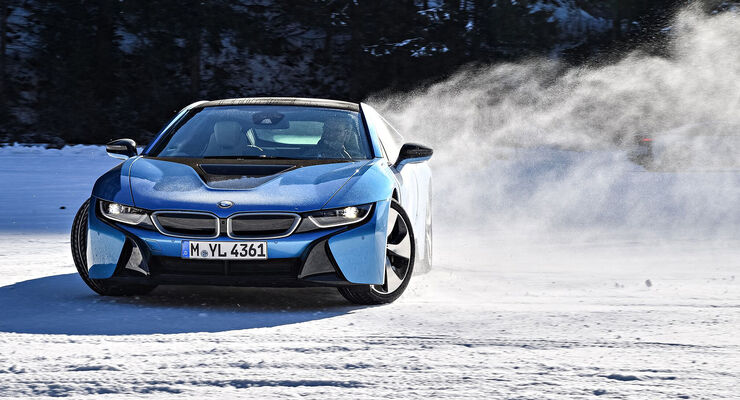 bmw i8 driving experience taugt e antrieb zum schnee. Black Bedroom Furniture Sets. Home Design Ideas