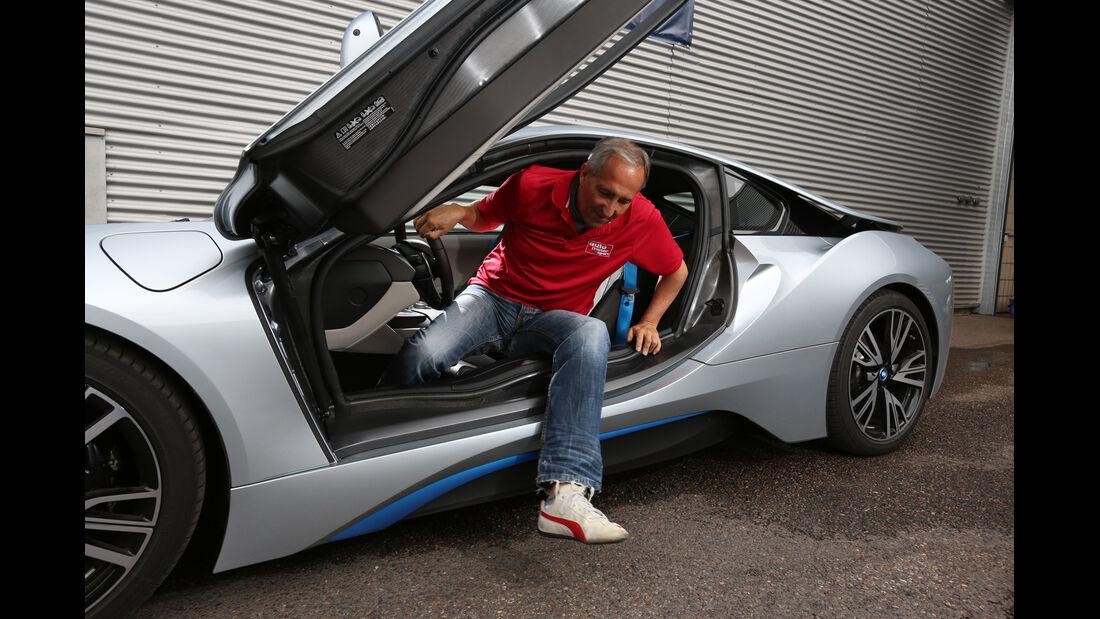 BMW i8, Fahrersitz, Aussteigen