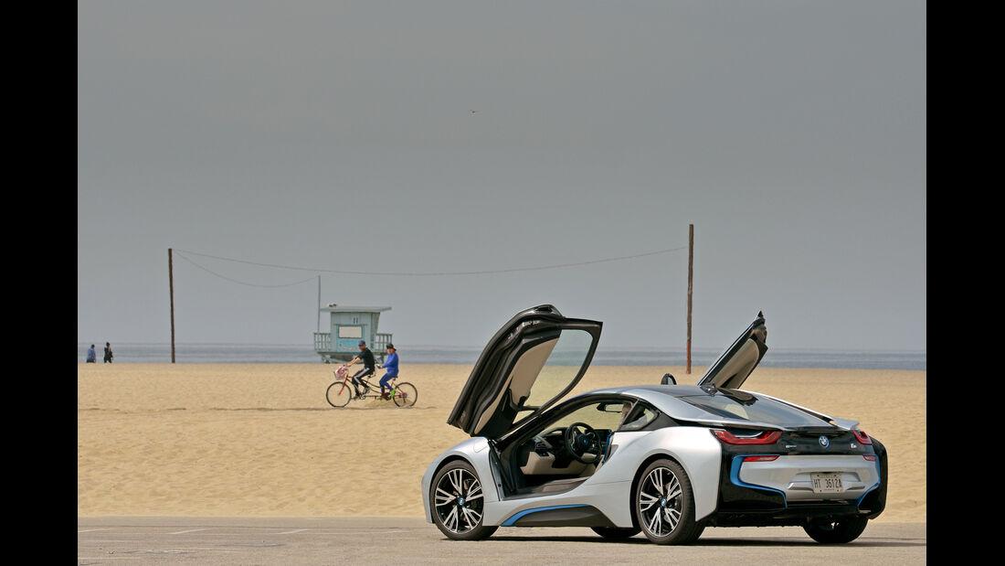 BMW i8, Heckansicht, Scherentüren