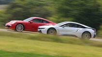 BMW i8, Porsche 911 Carrera S, Seitenansicht