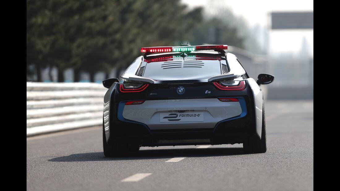 BMW i8 Safety Car, Heckansicht