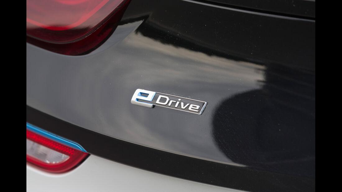 BMW i8, Schriftzug