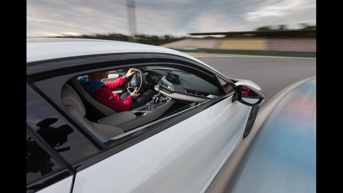 BMW i8, Seitenführung