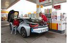 BMW i8, Tankstelle