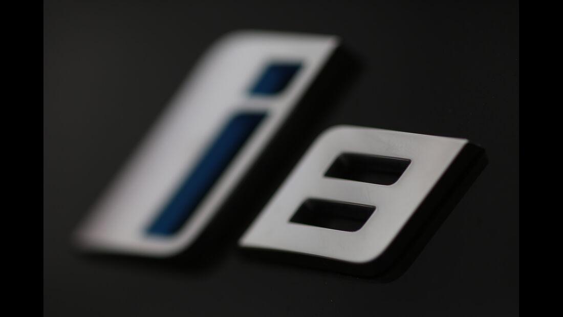 BMW i8, Typenbezeichnung