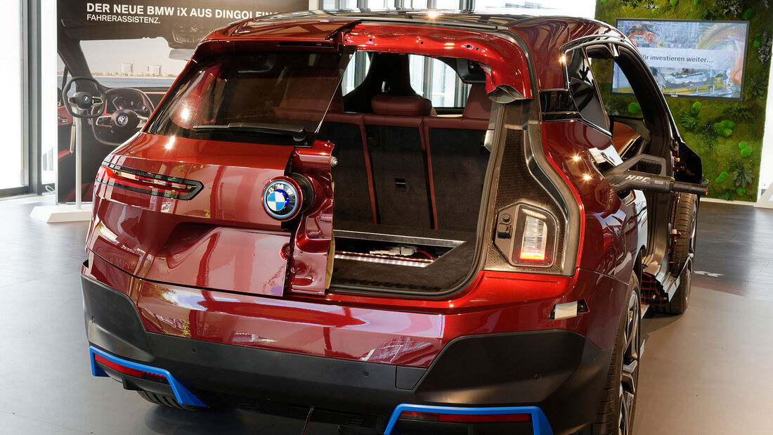 BMW iX xDrive 53