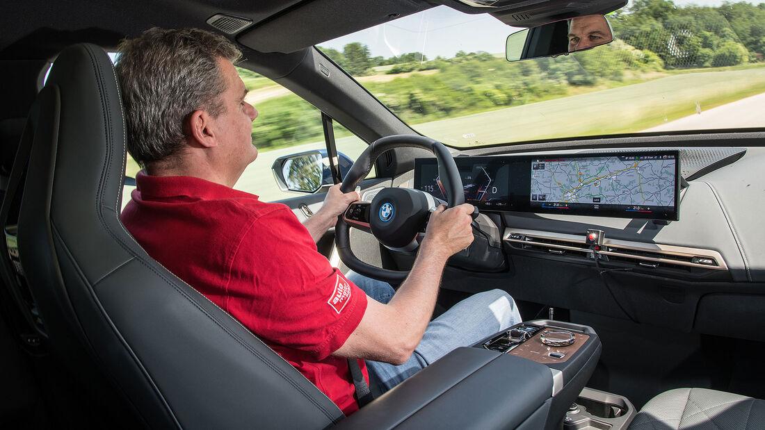 BMW iX xDrive 54
