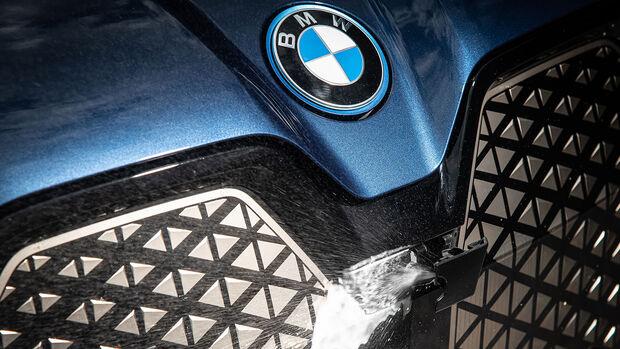 BMW iX xDrive 65