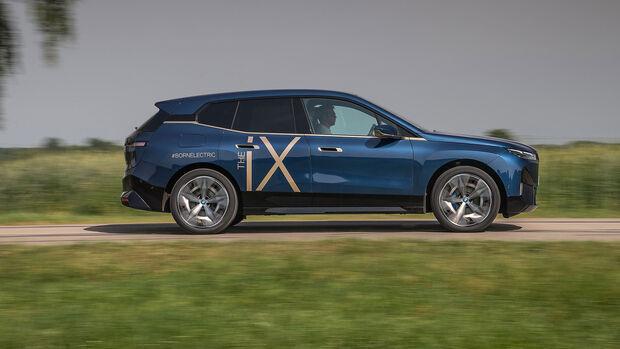 BMW iX xDrive 68