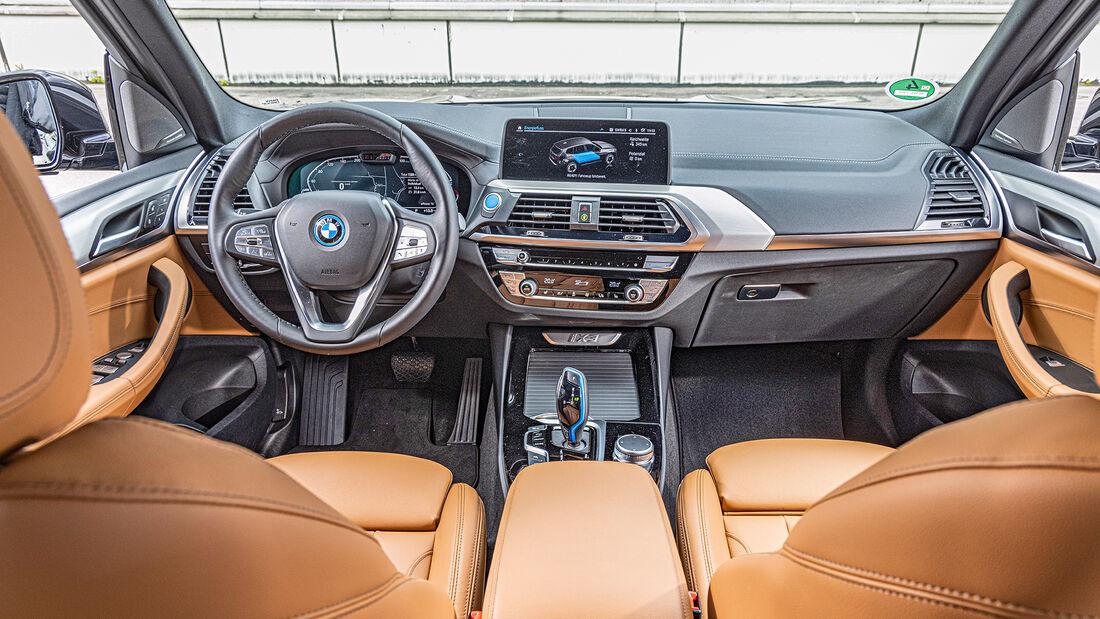 BMW iX3, Interieur