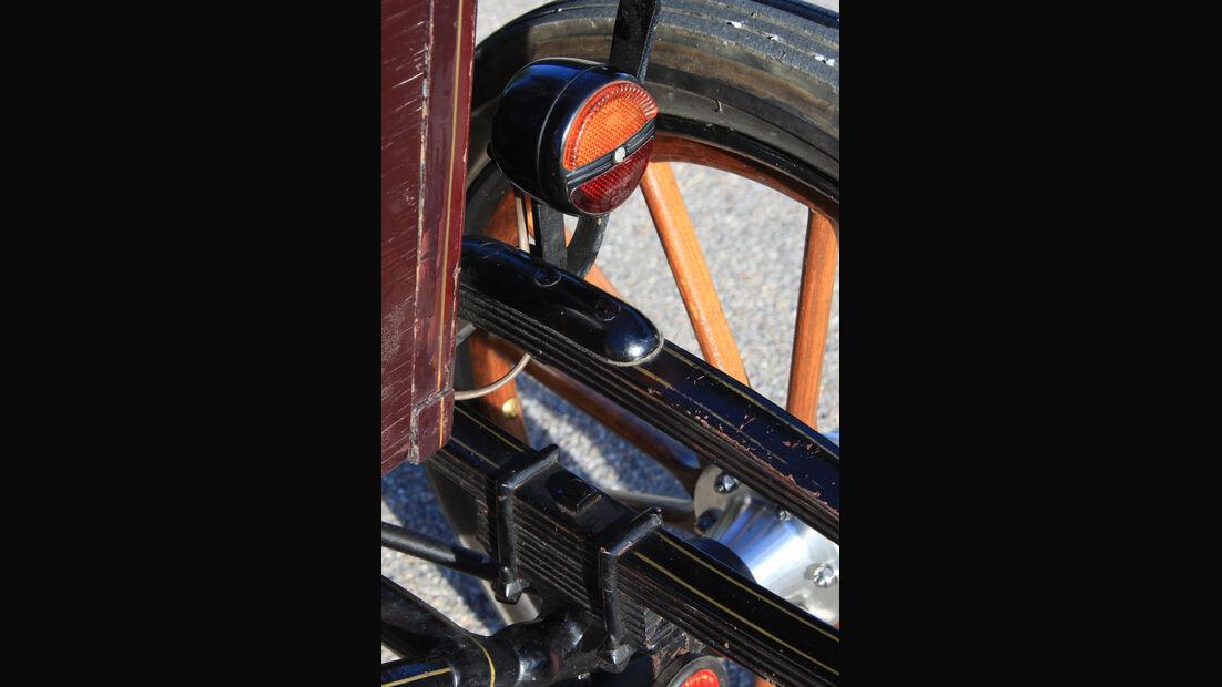 Baker Electric 1904, Rücklicht, Detail
