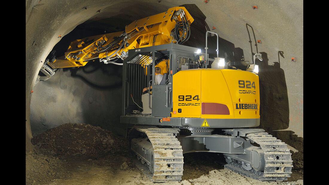 Baumaschinen, Liebherr R924, Tunnel