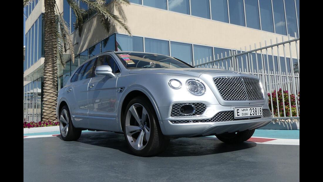 Bentley Bentayga - Carspotting - Abu Dhabi 2017