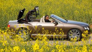 Bentley Continental GT Speed W12 Convertible, Seitenansicht, Verdeck öffnet