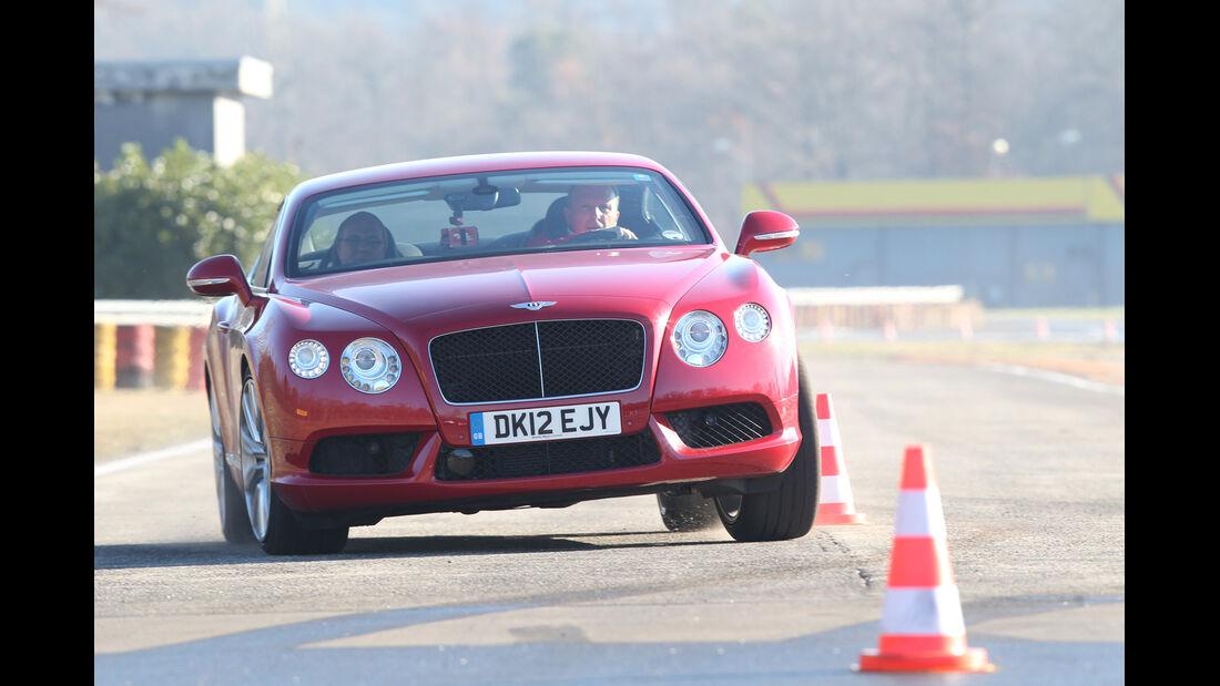 Bentley Continental GT V8, Frontansicht, Slalom