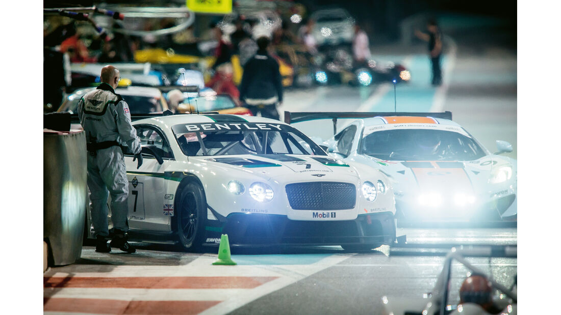 Bentley Continental  GT3, Boxenausfahrt