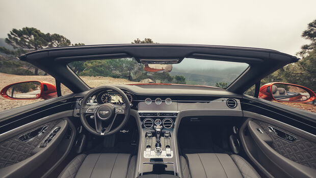 Bentley Continental GTC 2019, Innenraum, Cockpit