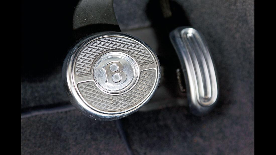 Bentley Continental GTC, Bremspedal, Emblem