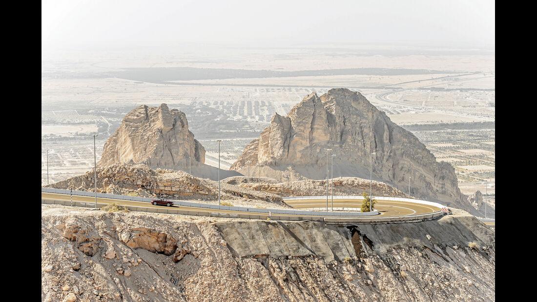 Bentley Continental GTC V8, Seitenansicht, Wüste