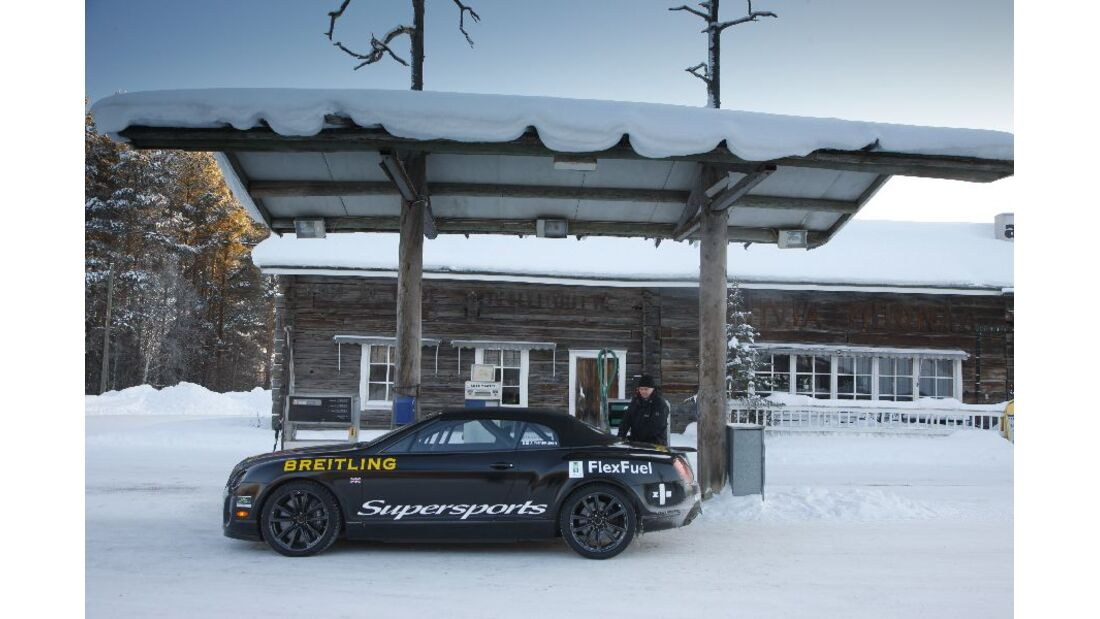 Bentley Continental Supersports Convertible ISR, Finnland, Tankstelle