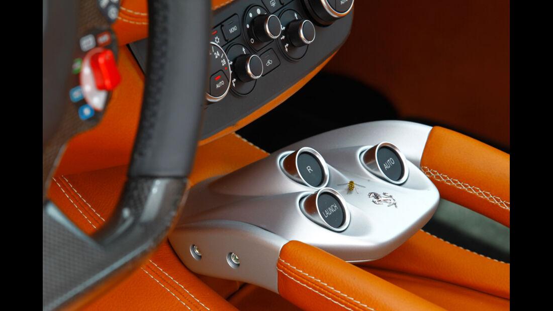 Bentley Continental Supersports, Mittelkonsole