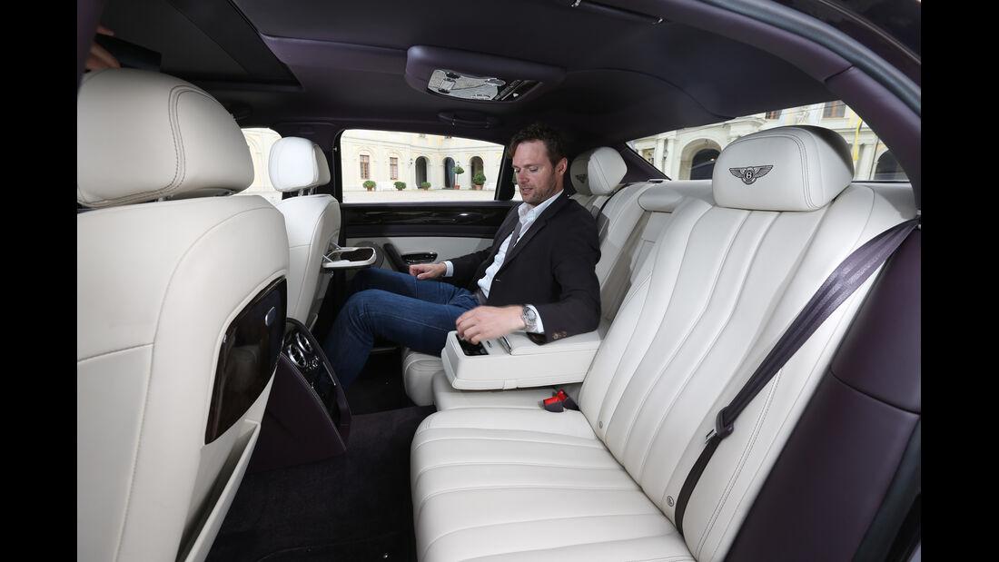 Bentley Flying Spur, Fondsitz, Beinfreiheit