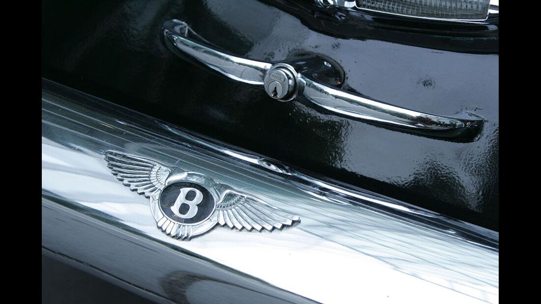 Bentley-Logo und Heckdeckelgriff am Bentley S1