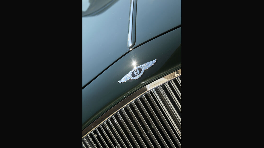 Bentley MK VI Cresta, Kühlergrill, Emblem