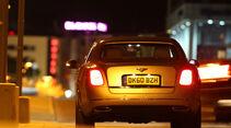 Bentley Mulsanne, Rückansicht, Stand, bei Nacht