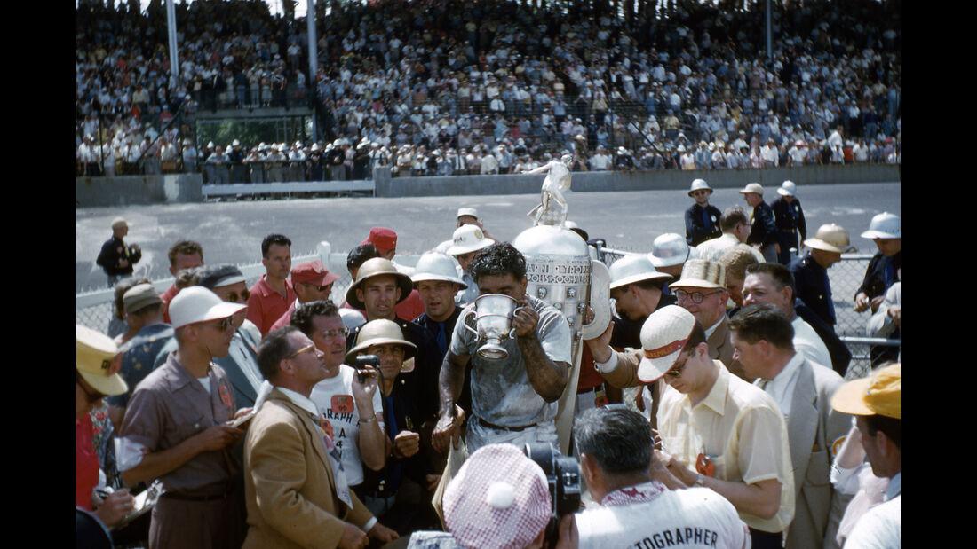Bill Vukovich - Indy 500 - 1954 - Motorsport