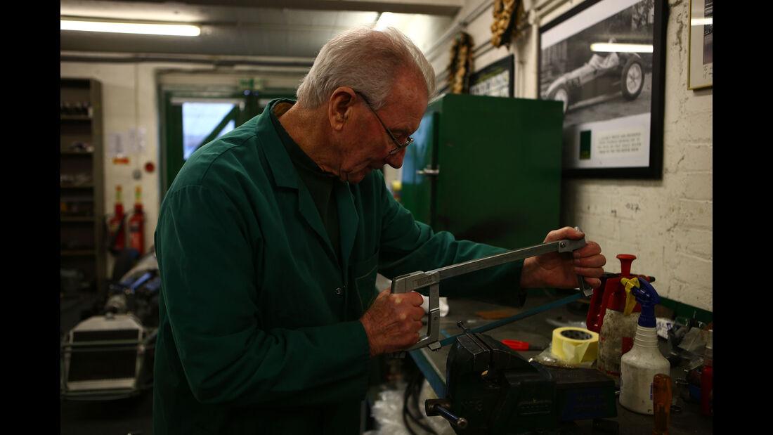 Bob Dance - Classic Team Lotus - Lotus Workshop - Werkstatt - Hethel - England