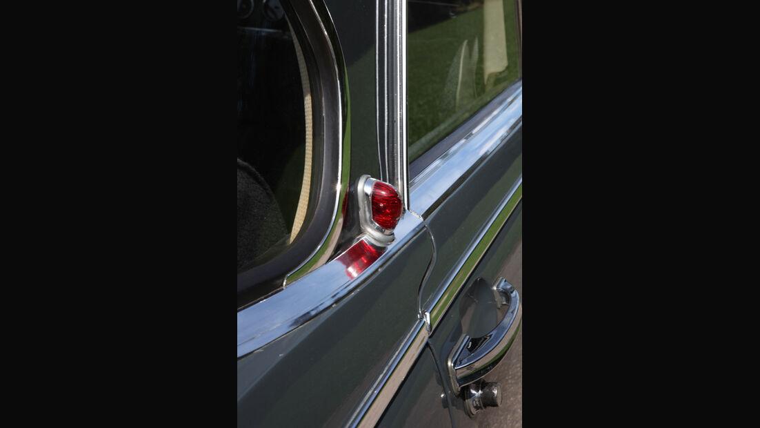 Borgward 2,3 Liter, Seitenblinker