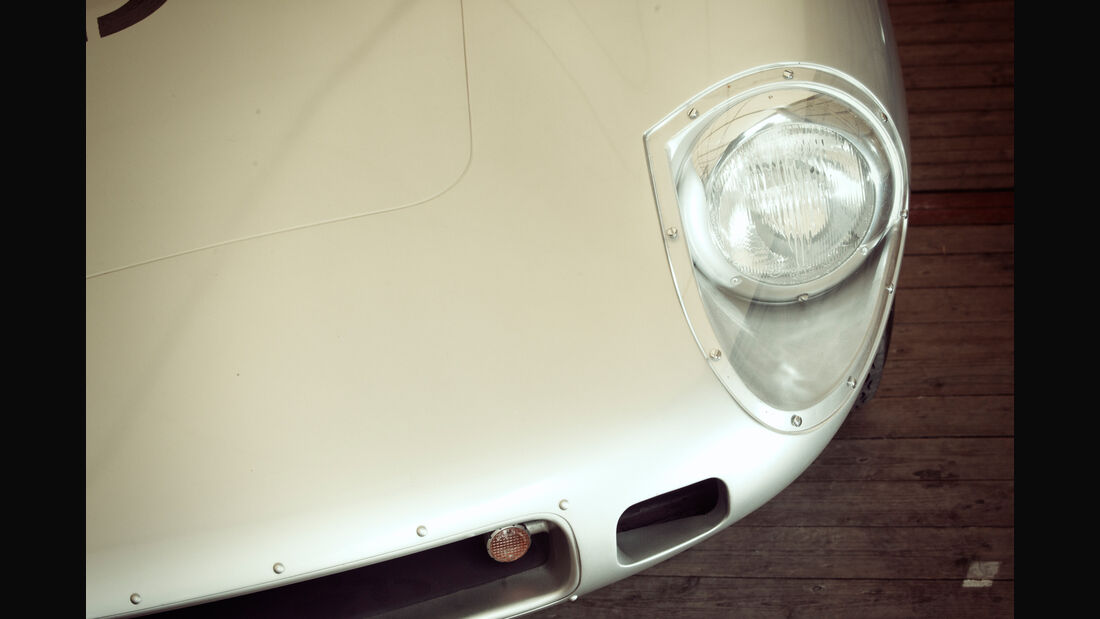 Borgward RS 1500, Frontscheinwerfer