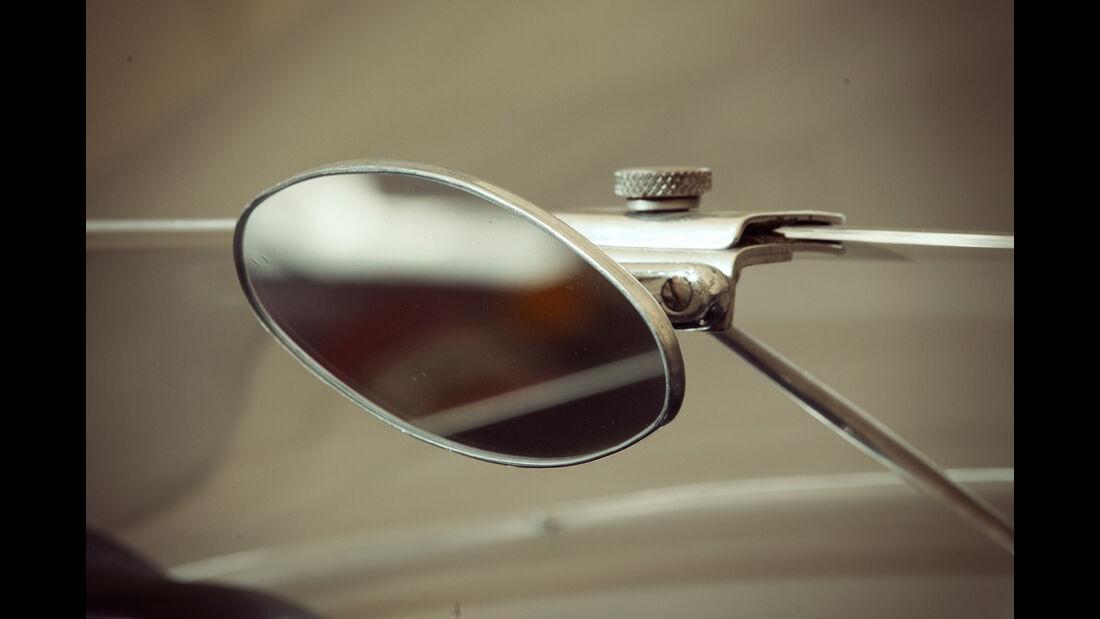 Borgward RS 1500, Seitenspiegel