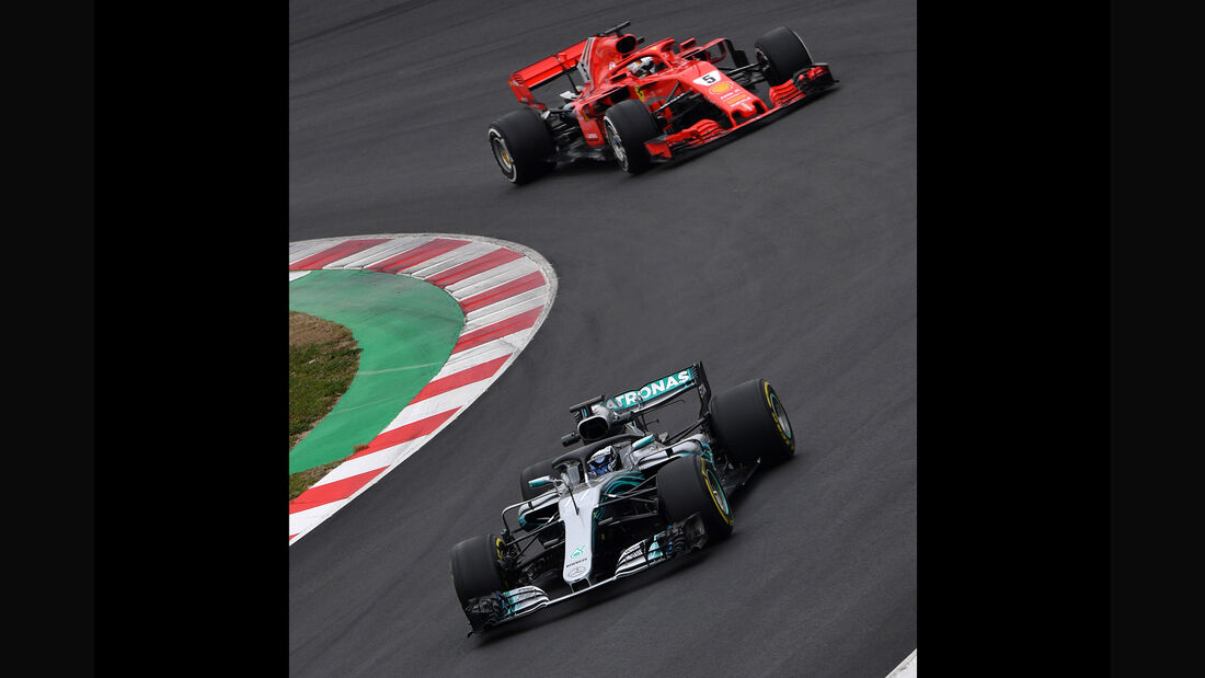 Bottas & Vettel - Mercedes & Ferrari  - F1-Test - Barcelona - Tag 2 - 27. Februar 2018