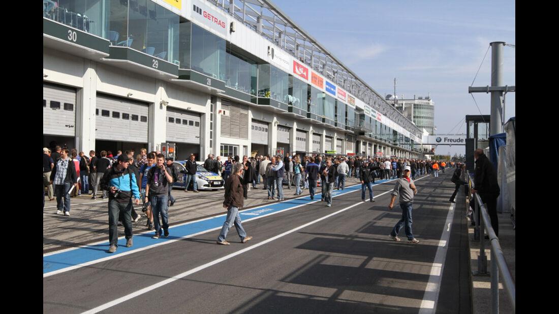 Boxengasse, Fans, VLN, Langstreckenmeisterschaft, Nürburgring