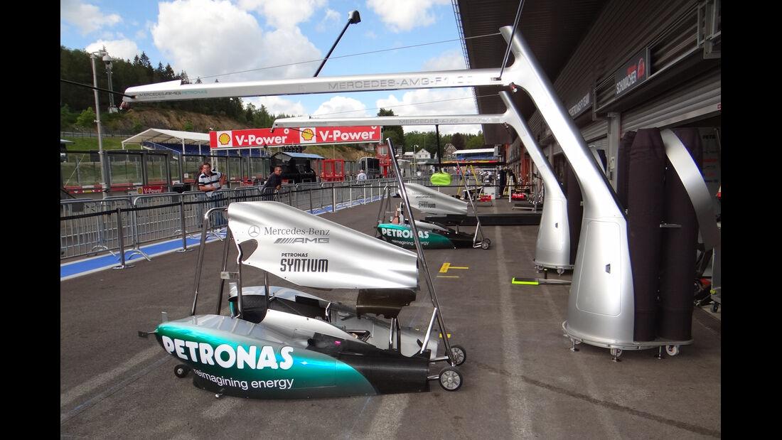 Boxengasse - Formel 1 - GP Belgien - Spa - 30.8.2012
