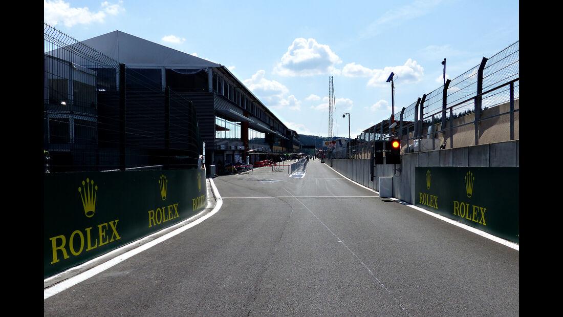 Boxengasse - Formel 1 - GP Belgien - Spa-Francorchamps - 20. August 2015
