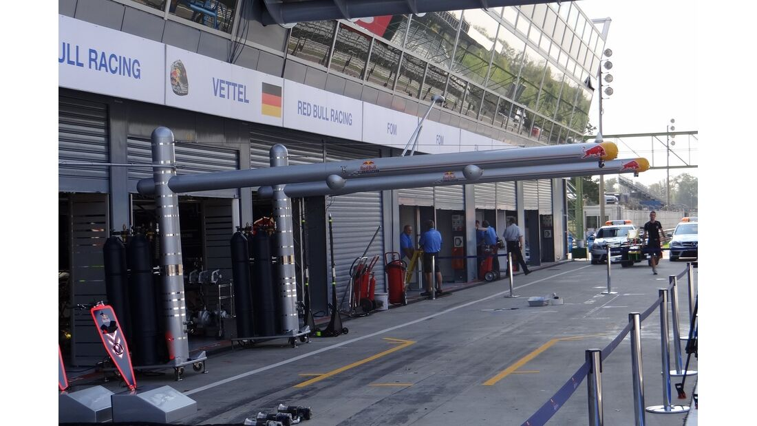 Boxengasse - Formel 1 - GP Italien - 6. September 2012