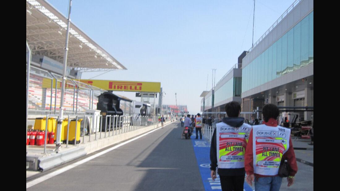 Boxengasse - Formel 1 - GP Korea - 13. Oktober 2011