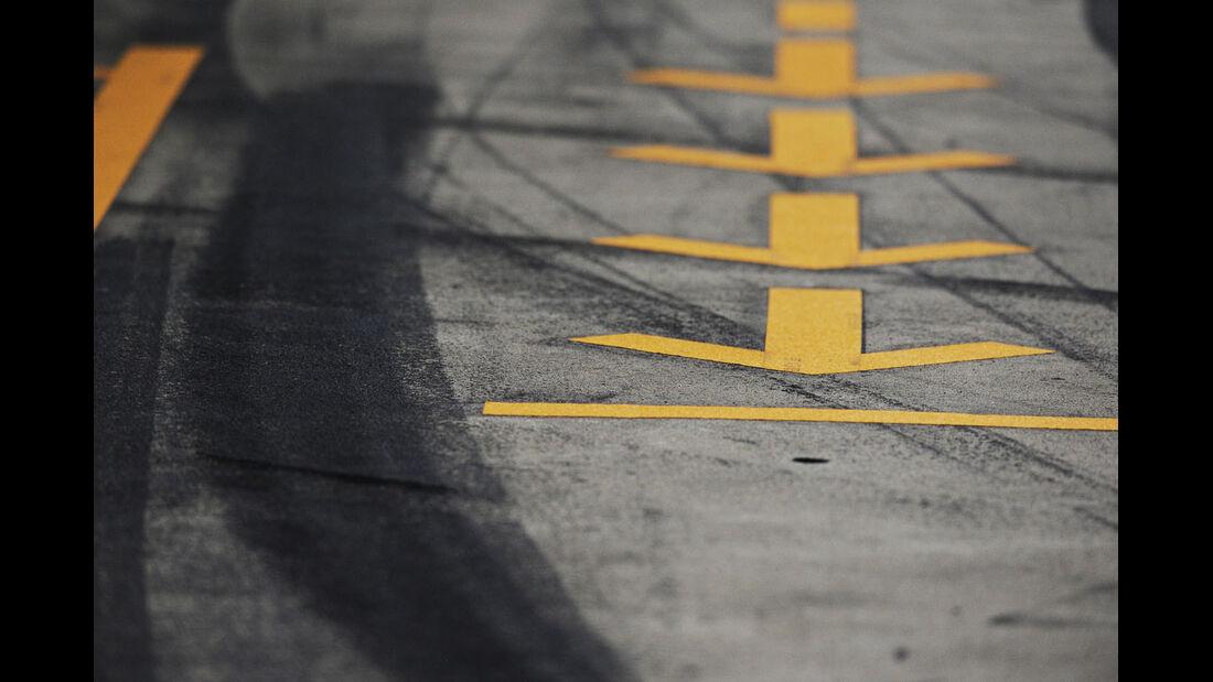 Boxengassemarkierung, Formel 1-Test, Barcelona, 21. Februar 2013