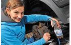 Bremsbeläge erneuern, Bremssystem entlüften
