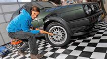 Bremsbeläge erneuern, Rad abnehmen