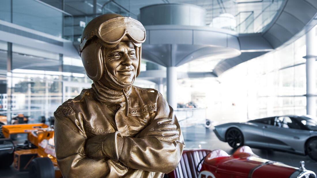 Bruce McLaren - Woking - Bronzestatue - 50. Todestag 2020